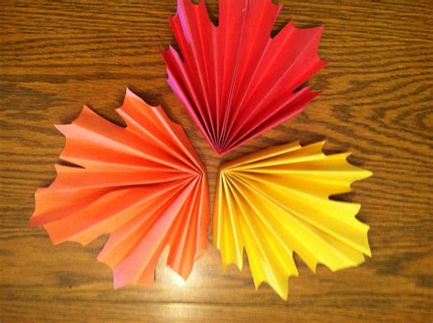 paper leaves craft fan folded leaves sewmona