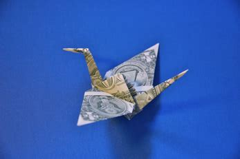 origami crane dollar bill johnny manziel rolling bills in a vegas bathroom here