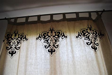 peindre du tissu avec la satinelle eleonore d 233 co