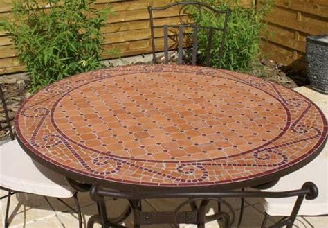 table jardin mosaique ronde 110cm terre cuite arabesque table jardin mosa 239 que