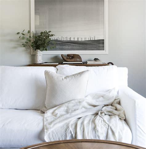 white slipcovered sofa how we choose white slipcovered sofas room for tuesday