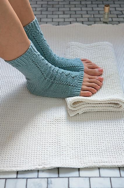 what should i knit 17 best ideas about toeless socks on leg