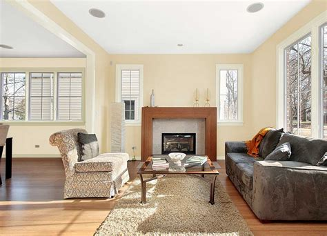 paint colors for living room with light wood floors glidden interior paint colors parchment with warm white