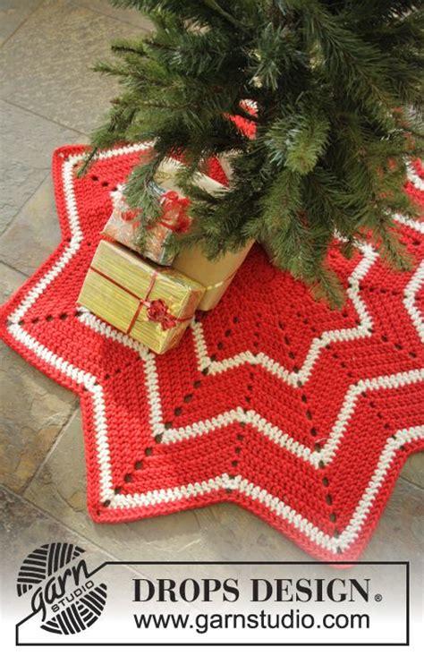 pattern for tree skirt 25 best ideas about crochet tree skirt on
