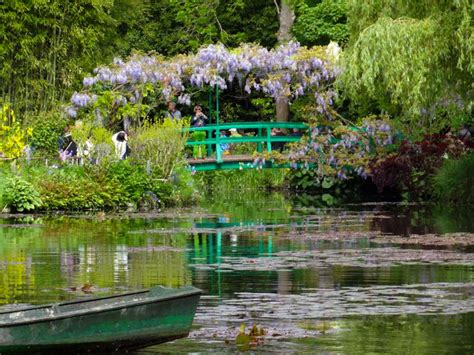 photos of gardens monet garden giverny in pictures the