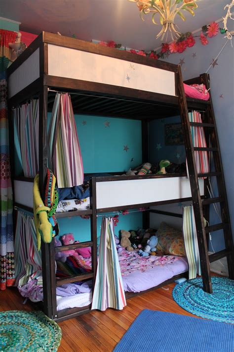 3 high bunk beds a sky high bunk for three my room apartment therapy