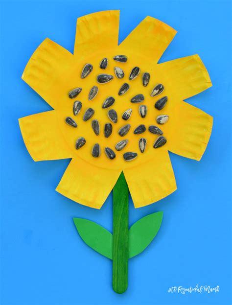 sunflower paper plate craft paper plate sunflower craft the resourceful