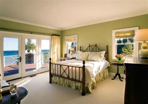 Bedroom Chairs For Small Spaces 20 amazing guest room design ideas