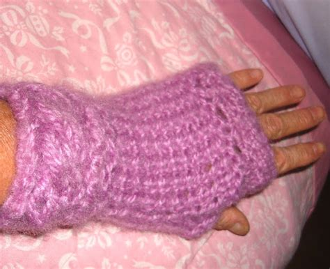 loom knitting fingerless gloves loom knitting and something else isela s cable cuff