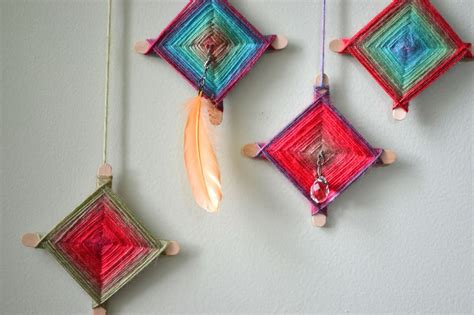 yarn craft for yarn and popsicle stick crafts find craft ideas