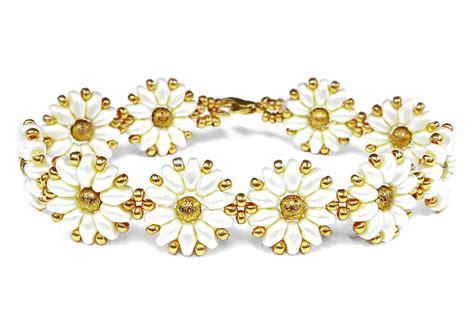 beaded flower bracelet patterns tutorial flower bracelet easy superduo