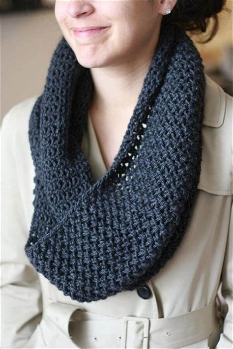 knit an infinity scarf with circular needles 10 easy crochet scarf patterns 101 crochet