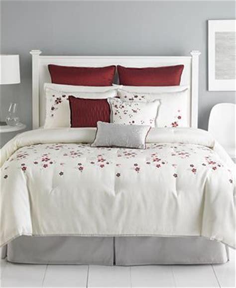 martha stewart 9 comforter set martha stewart collection cranberry blossom 9