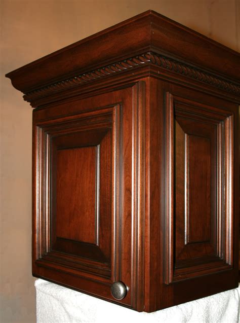 crown molding on kitchen cabinets install crown molding kitchen cabinets kitchen design photos