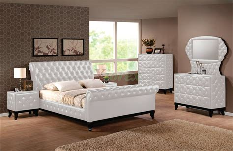 sleigh bedroom furniture sets upholstered sleigh platform bedroom furniture set 151 xiorex
