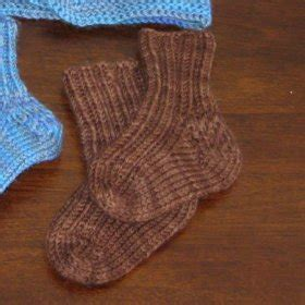 simple sock knitting patterns beginner easy knitting socks for beginners free knitting projects
