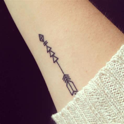 amazing arrow tattoo 2 arrow arm tattoo on tattoochief com