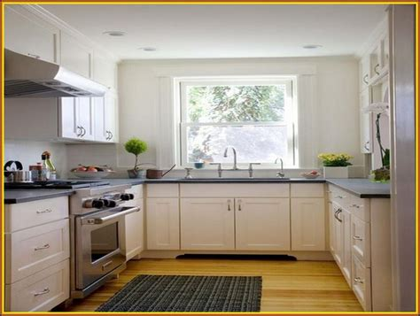 small square kitchen ideas 1000 images about kitchen layout on square