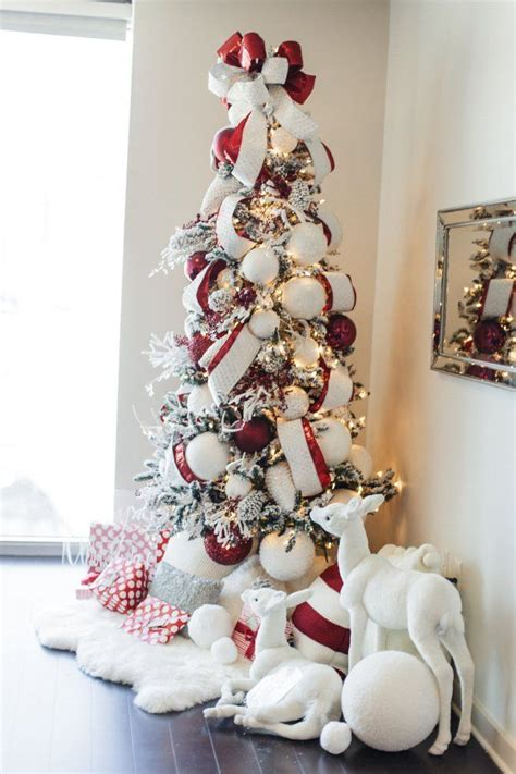 decorate a white tree 25 best ideas about flocked trees on