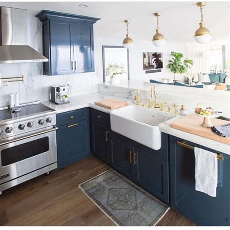 blue cabinets 25 best ideas about navy blue kitchens on