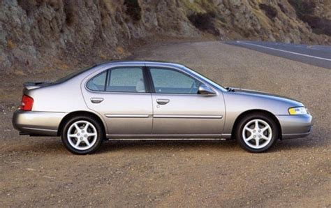 2000 Nissan Altima by 2000 Nissan Altima Information And Photos Zombiedrive