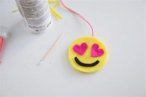 crafts with paper and scissors easy craft emoji felt bookmarks craft paper scissors