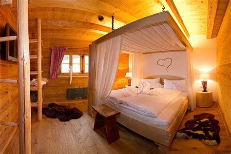 Wood Canopy Bed chalets 214 sterreich kuschelh 220 tten proneben gut hochk 246 nig