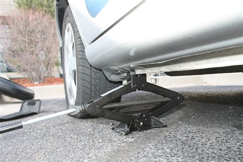 Bmw Road Assistance by Roadside Assistance Tip What To Do If You A Flat