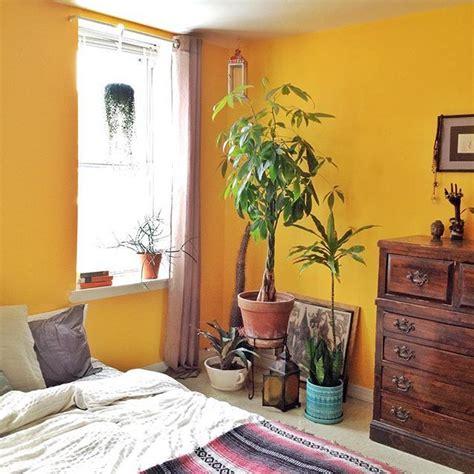 yellow walls in bedroom best 25 mustard yellow walls ideas on mustard