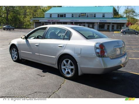 2005 Nissan Altima 2 5 by 2005 Nissan Altima 2 5 S In Sheer Silver Metallic Photo 4