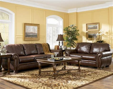 decorating a living room with brown leather furniture enchanting decorating a living room with brown leather