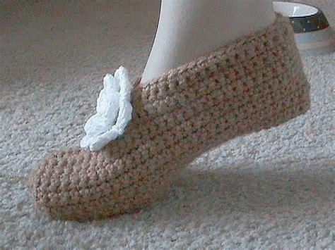 free knit slipper patterns beginners easy crochet pattern for slippers crochet and knit
