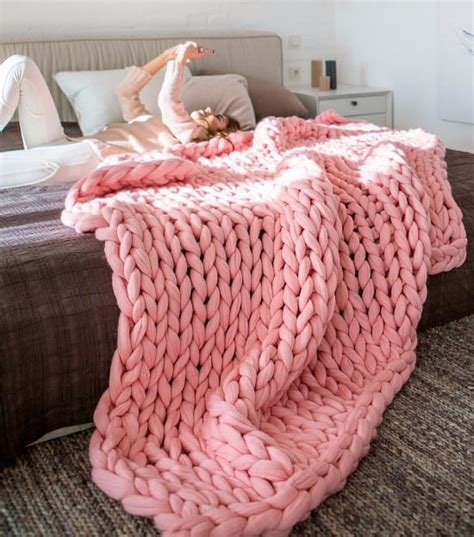 chunky knit blankets chunky knit blanket pattern yarn tutorial diy