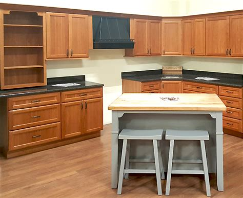 kitchen cabinet surplus nantucket kitchen cabinets builders surplus
