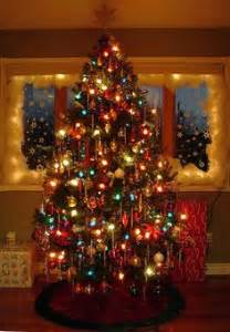 fashioned colored lights reminds me of the fashioned trees of my childhood big