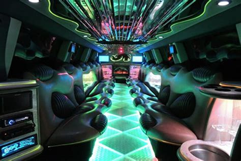 Limousine Service In New Orleans by Rentals In New Orleans Cheap Buses And Limos