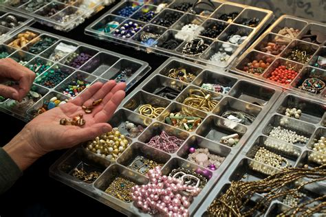 jewelry workshops color workshops