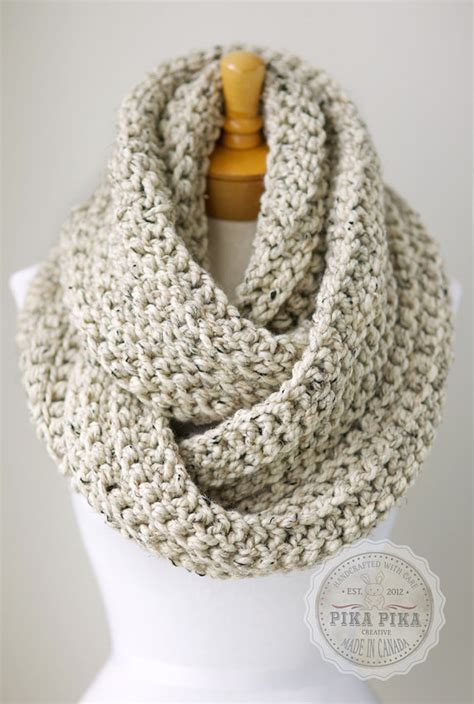 how to finish a knitted infinity scarf crochet infinity scarves on crochet cowls