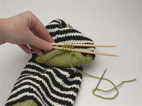 knitting kitchener stitch part 4 closing the toe and kitchener stitch ewe ewe yarns