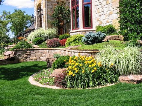 Garden Yard Ideas Front Side Landscaping Modern House Design With