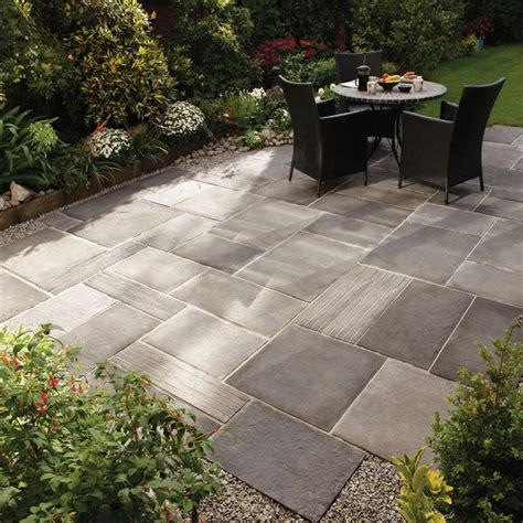 paving ideas for backyards 1000 ideas about backyard patio designs on