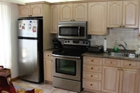 paint my kitchen cabinets white what colour should i paint my kitchen cabinets black or