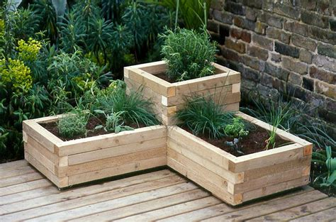creating a wooden planter gardenersworld