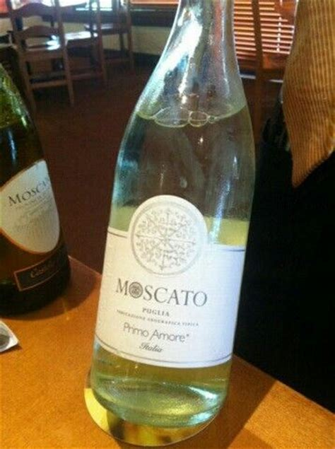 olive garden moscato olive garden exclusive moscato drinks