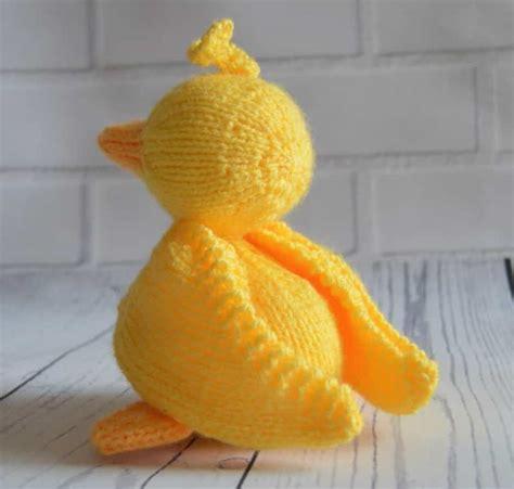 duck knitting pattern scramble the duck knitting pattern knitting by post