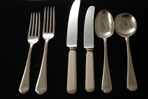 from silverware a silver plated flatware set of st pattern silverware