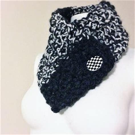 buttoned cowl knitting pattern buttoned cowl allfreeknitting