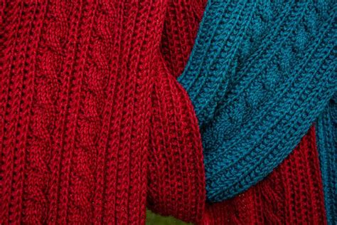 reversible cable knit pattern reversible cable scarf knitting patterns and crochet