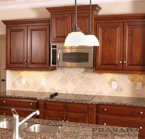 cherry kitchen cabinets best 25 cherry cabinets ideas on cherry