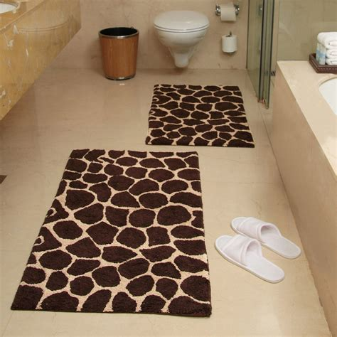 giraffe bathroom accessories 2 giraffe bath rug set chocolate and beige